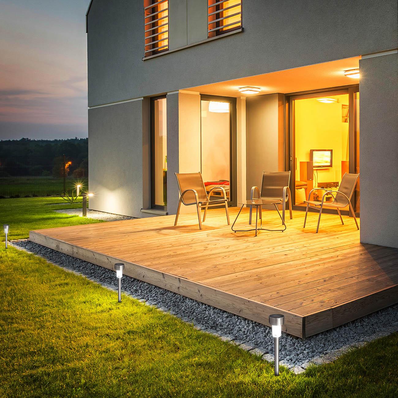Solar LED Gartenlichter mit Erdspieß und Sensor | 12er Set