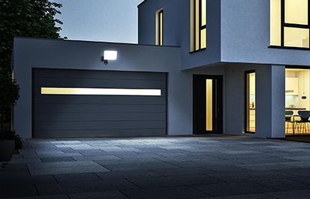 Outdoor Lichtideen für die Garagenbeleuchtung entdecken
